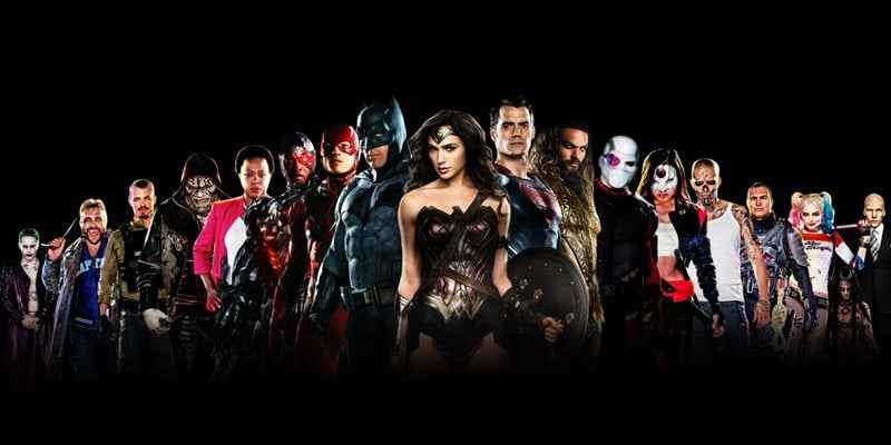 Jak oglądać filmy DC?