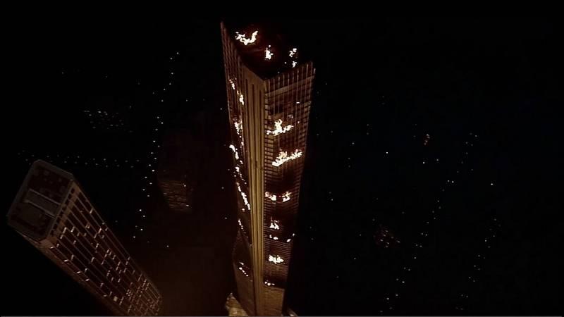Płonący wieżowiec – kadr z filmu